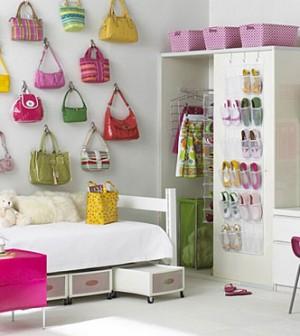 d couvrez 4 tapes pour ranger la chambre de vos enfants chambre deco. Black Bedroom Furniture Sets. Home Design Ideas