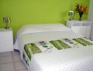 les dessus de lit chambre deco vous pouvez le r aliser vous m me. Black Bedroom Furniture Sets. Home Design Ideas