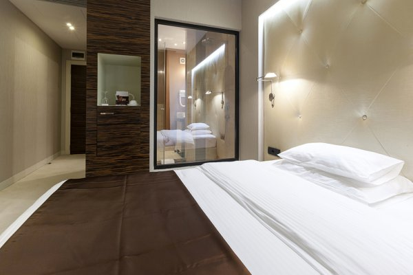 Am nager une salle de bains dans une chambre c est - Idee chambre parentale avec salle de bain ...